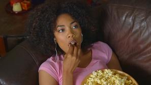 فيديو اكتشفي 10 أطعمة صديقة للرشاقة ولن تتسبب في زيادة وزنك أبداً