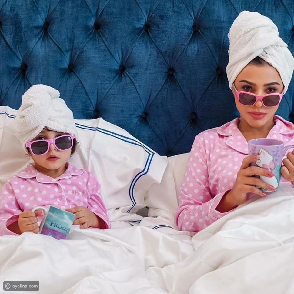 مهيرة عبد العزيز مع ابنتها