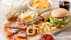 حرصاً على سلامتك.. تجنب تناول هذه الوجبات داخل المطاعم