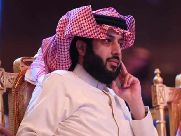فيديو مزحة تركي آل الشيخ تخجل سهم بعد أن فاجأه بهذا التعليق