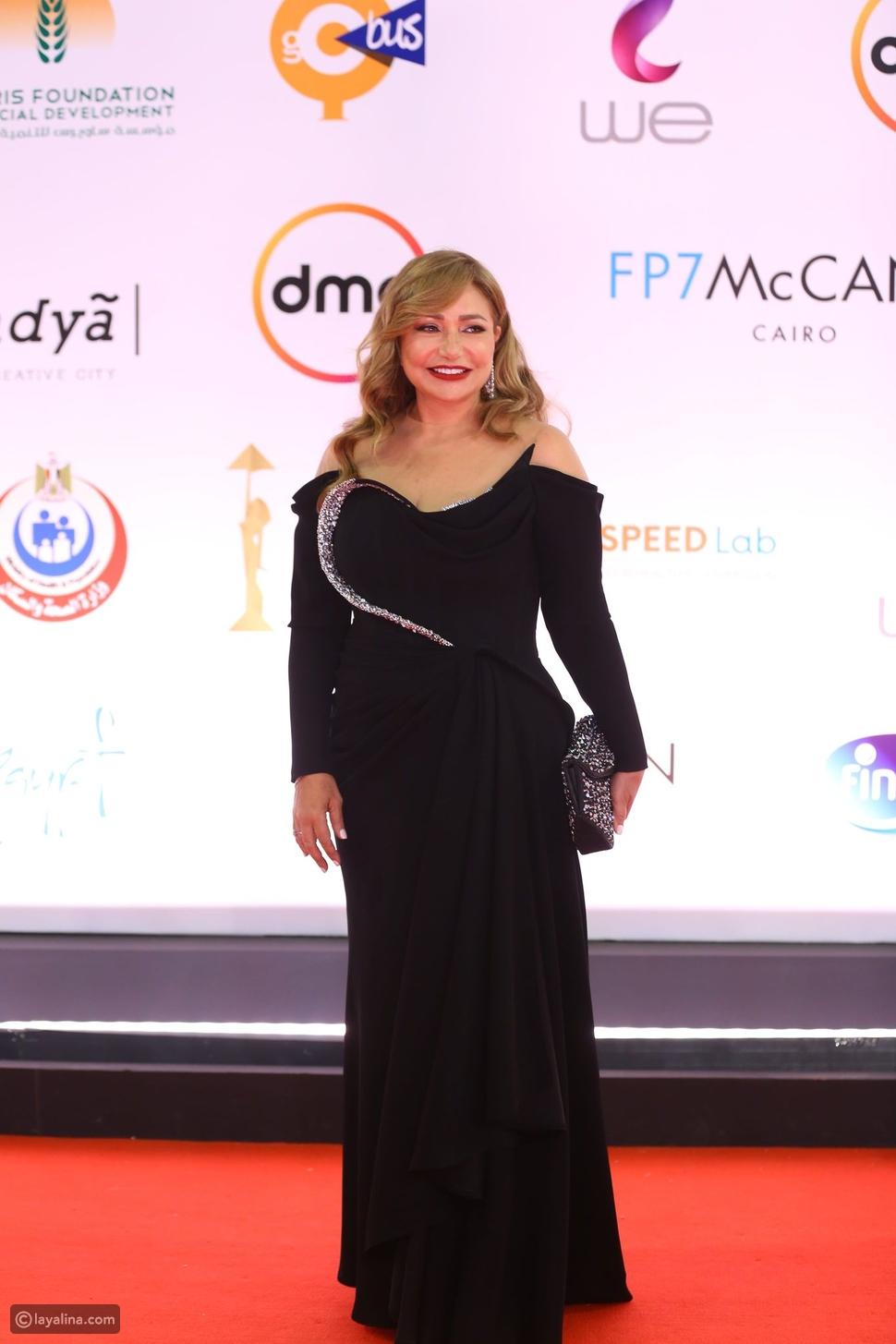 مستمرة في التألق: إطلالة ليلى علوي في مهرجان القاهرة السينمائي