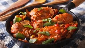 بالفيديو طريقة تحضير بابريكا الدجاج مع الأرز