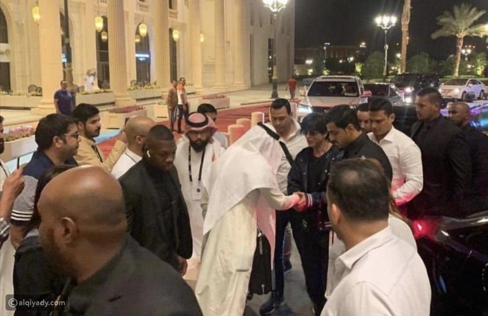 فيديو لحظة وصول شاروخان للسعودية لحضور تكريمه ضمن فعاليات موسم الرياض