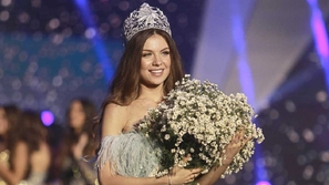 فيديو لحظة فوز مايا رعيدي بلقب ملكة جمال لبنان 2018.. اكتشفوا مهنتها!