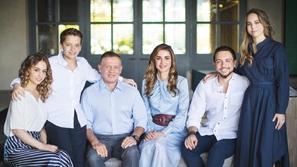 الملكة رانيا تنشر لقطات عفوية مميزة لعائلتها من على مائدة الإفطار