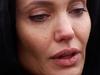 شاهدي رد فعل جينيفر أنيستون بعد أن فوجئت ببكاء براد بيت بسببها
