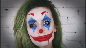 تعلمي خطوات تطبيق مكياج شخصية Joker أكثر التنكرات شعبية لهالوين 2019